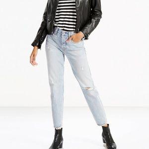 Levi's Wedgie Fit Jeans in Desert Delta Wash